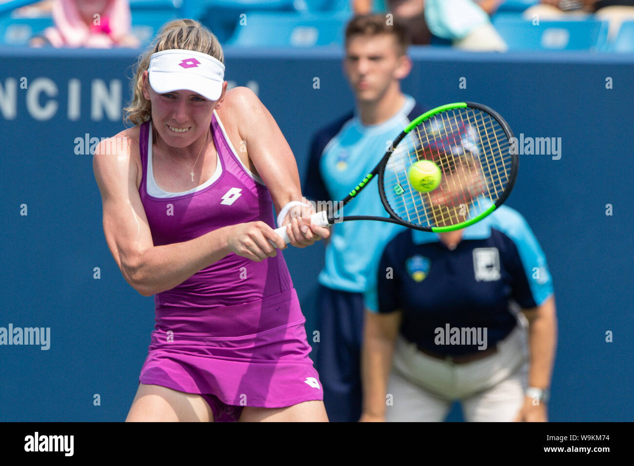 Mason, Ohio, USA. 14th Aug, 2019. Ekaterina Alexandrova (RUS) hits a backhand shot during Wednesday's round of the Western and Southern Open at the Lindner Family Tennis Center, Mason, Oh. Credit: Scott Stuart/ZUMA Wire/Alamy Live News Stock Photo