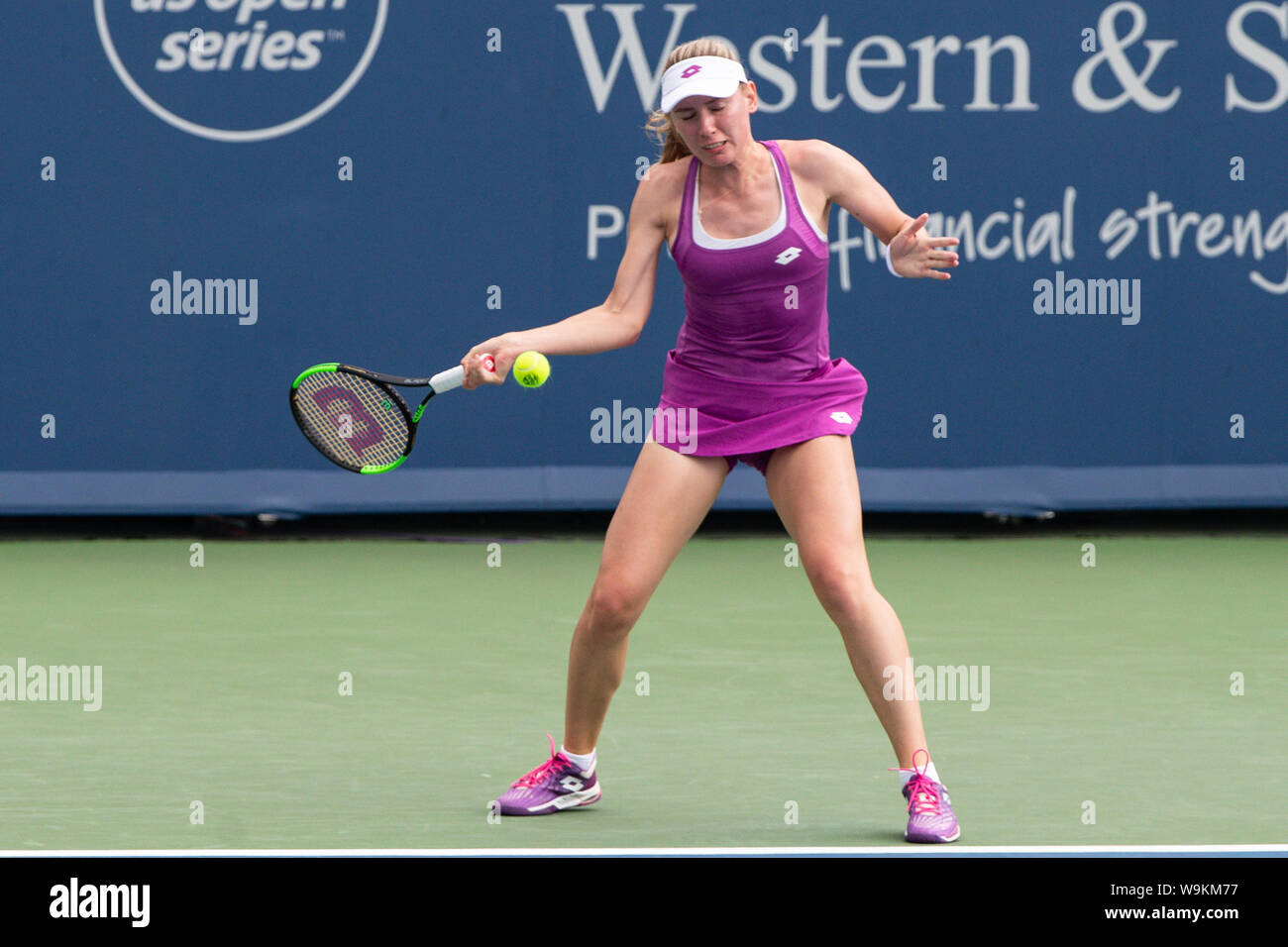 Mason, Ohio, USA. 14th Aug, 2019. Ekaterina Alexandrova (RUS) returns serve during Wednesday's round of the Western and Southern Open at the Lindner Family Tennis Center, Mason, Oh. Credit: Scott Stuart/ZUMA Wire/Alamy Live News Stock Photo