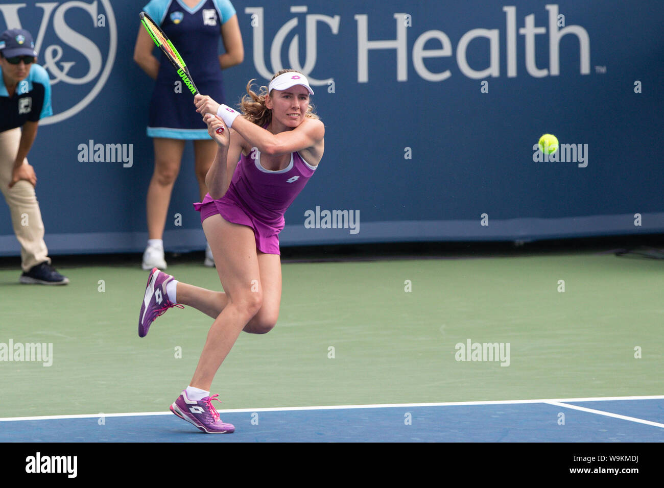Mason, Ohio, USA. 14th Aug, 2019. Ekaterina Alexandrova (RUS) in action during Wednesday's round of the Western and Southern Open at the Lindner Family Tennis Center, Mason, Oh. Credit: Scott Stuart/ZUMA Wire/Alamy Live News Stock Photo