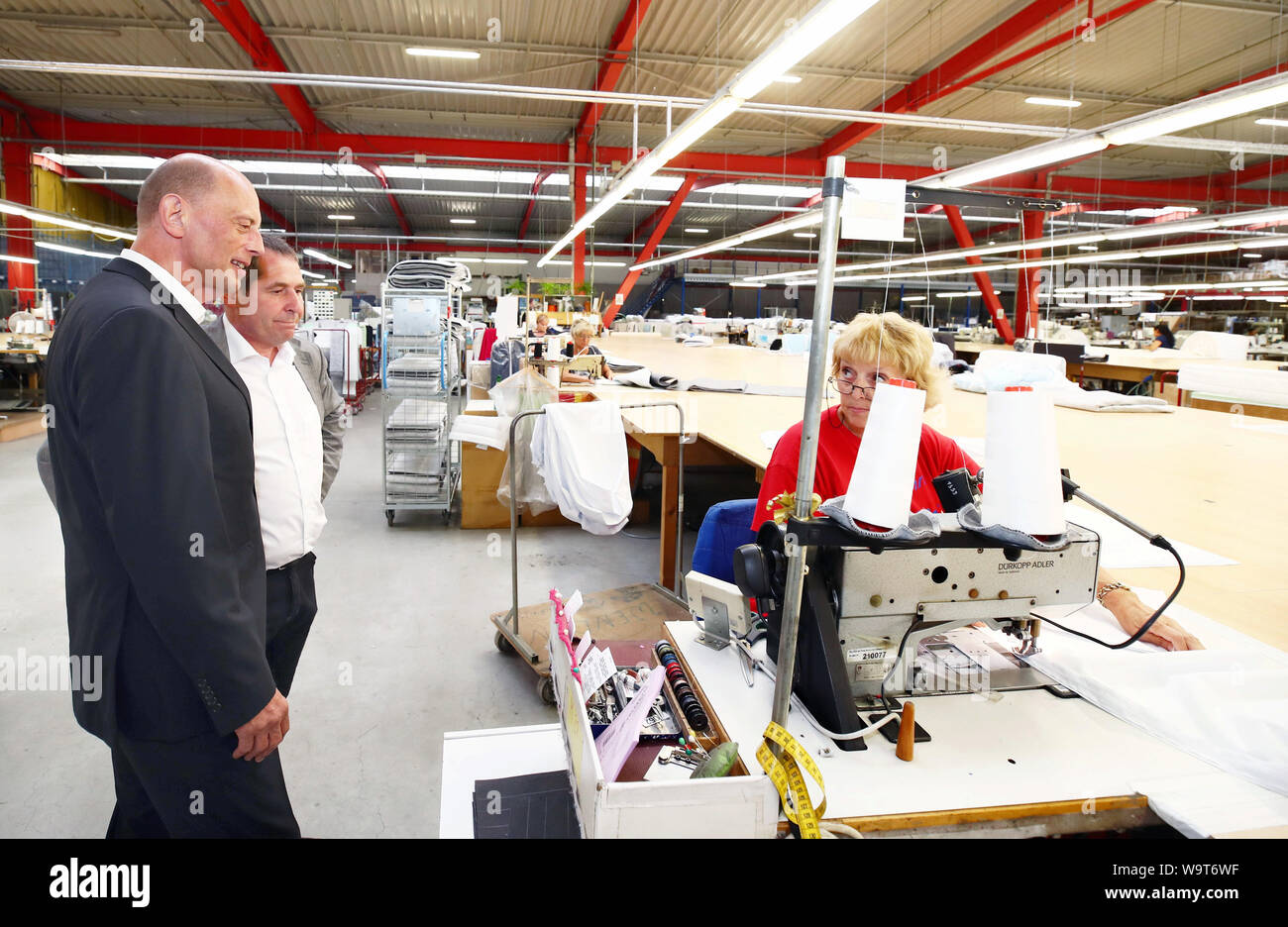 Weida Germany 15th Aug 2019 Wolfgang Tiefensee Spd L Thuringia S Minister Of Economic Affairs Visits The Breckle Mattress Plant And Is Accompanied By Gerd Breckle Managing Director Of Breckle Matratzenwerk Weida Gmbh