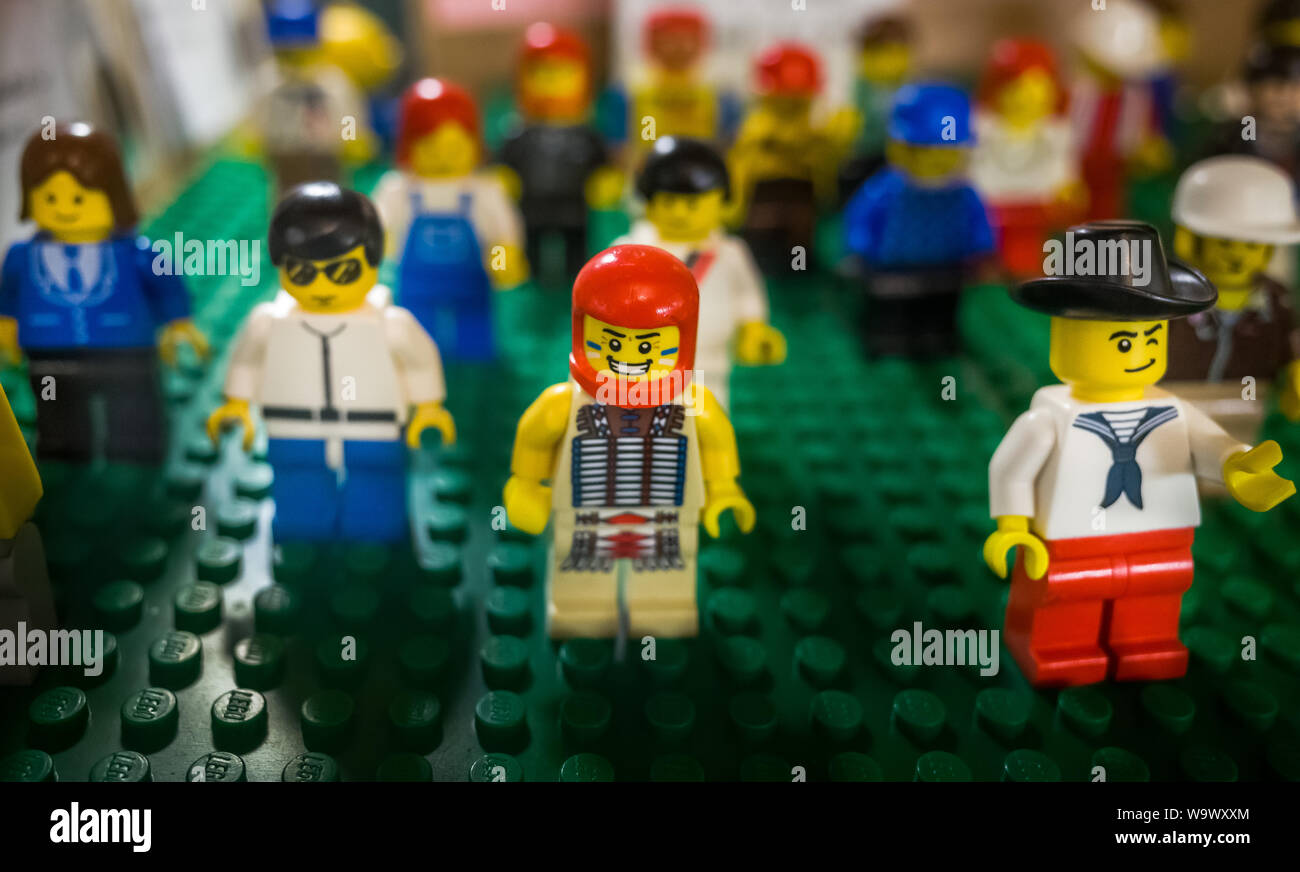 Lego For Sale Stock Photos & Lego For Sale Stock Images - Alamy