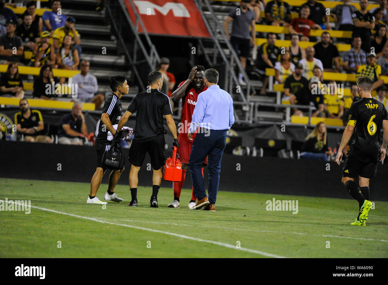Saturday, August 17, 2019: Toronto FC forward Jozy Altidore (17) leaves the field with am apparent head injury in the second half of the match between Toronto FC and Columbus Crew SC at MAPFRE Stadium, in Columbus OH. Mandatory Photo Credit: Dorn Byg/Cal Sport Media. Toronto FC 2 - Columbus Crew SC 2 at the end of the first half. Stock Photo