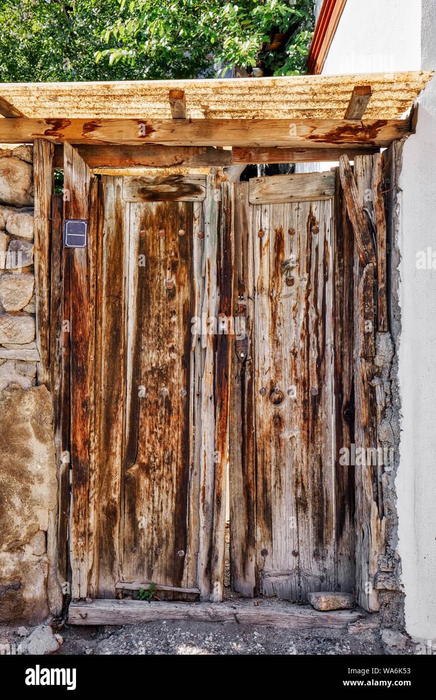 Traditional wooden door of a shanty house in Hamamonu, Ankara, Turkey Stock Photo