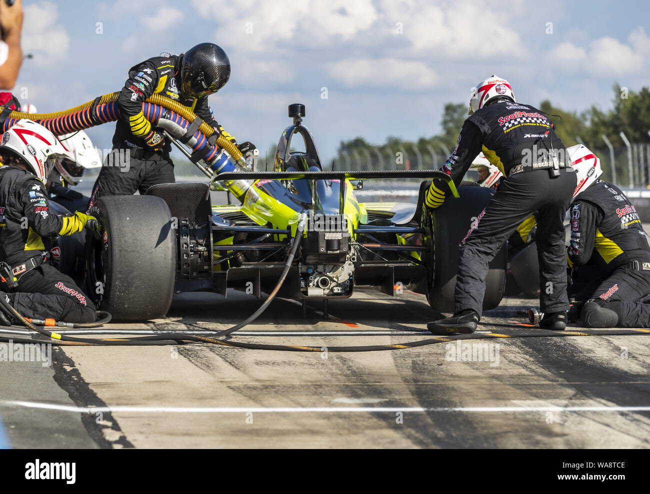 Long Pond, Pennsylvania, USA. 18th Aug, 2019. SEBASTIEN BOURDAIS (18) of Le Mans, France brings his car in for service during the ABC Supply 500 at Pocono Raceway in Long Pond Pennsylvania. (Credit Image: © Colin J Mayr Grindstone Media/ASP) Stock Photo