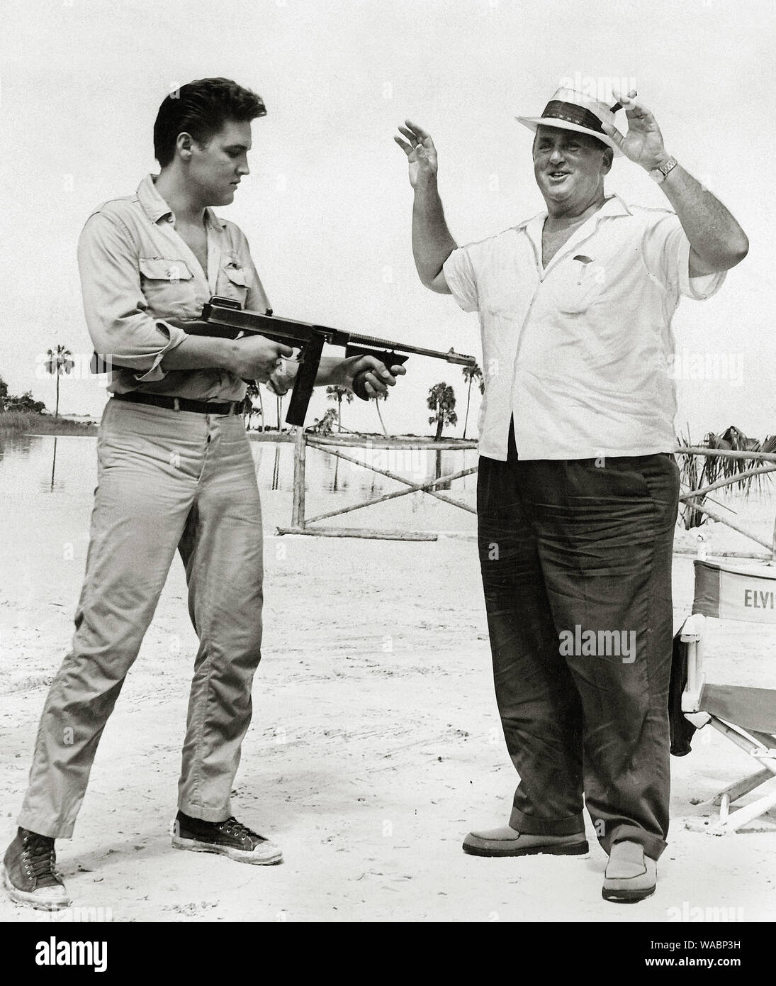 """1962 ELVIS PRESLEY in the MOVIES /""""FOLLOW THAT DREAM/"""" PHOTO w// Colonel PARKER 18"""