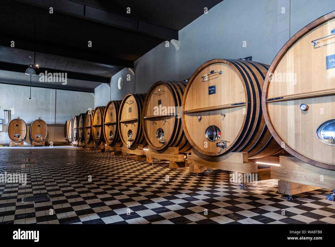 France Lyon 2019-06-21 giant wooden barrels, aging