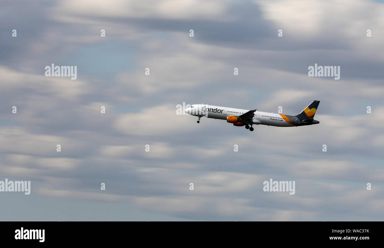 Schkeuditz, Germany. 19th Aug, 2019. An aircraft of the airline Condor is approaching Leipzig-Halle Airport. Credit: Jan Woitas/dpa-Zentralbild/dpa/Alamy Live News Stock Photo