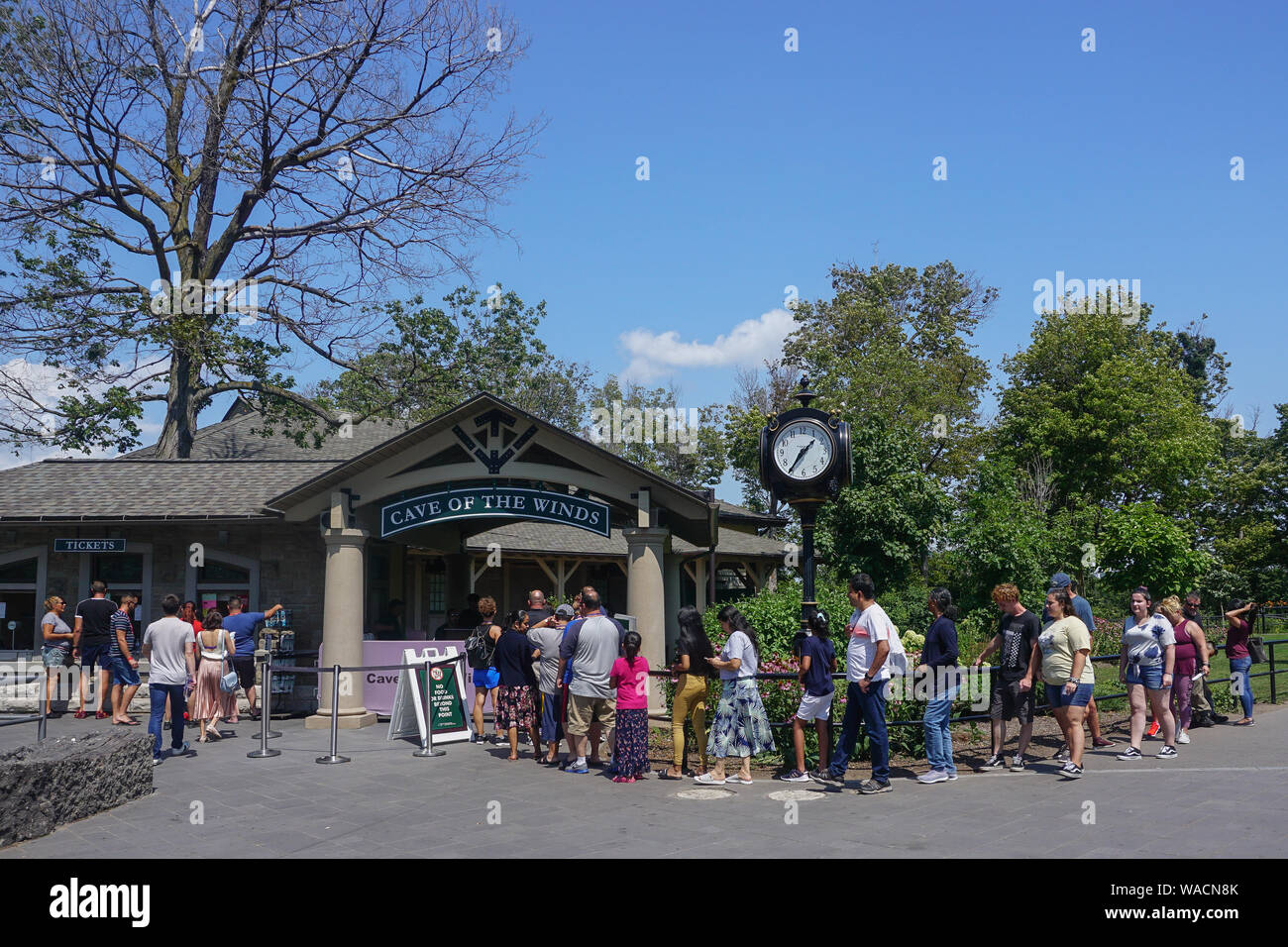 Niagara Falls Ny Tourists Line Up To Buy Tickets To The