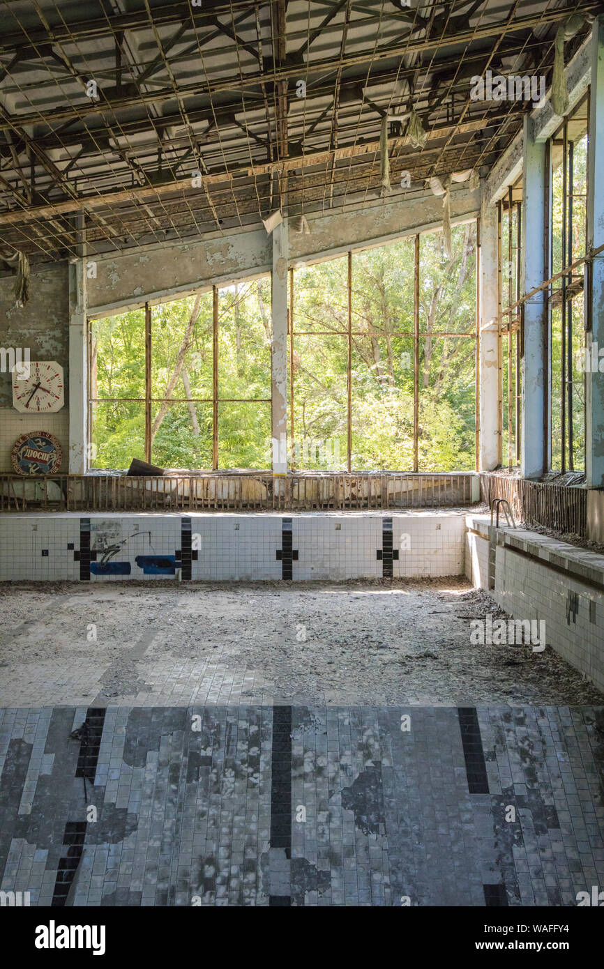 Chernobyl Exclusion Zone Pripyat Sports Palace Swimming Pool Now Derelict And Abandoned The Pool Stock Photo Alamy