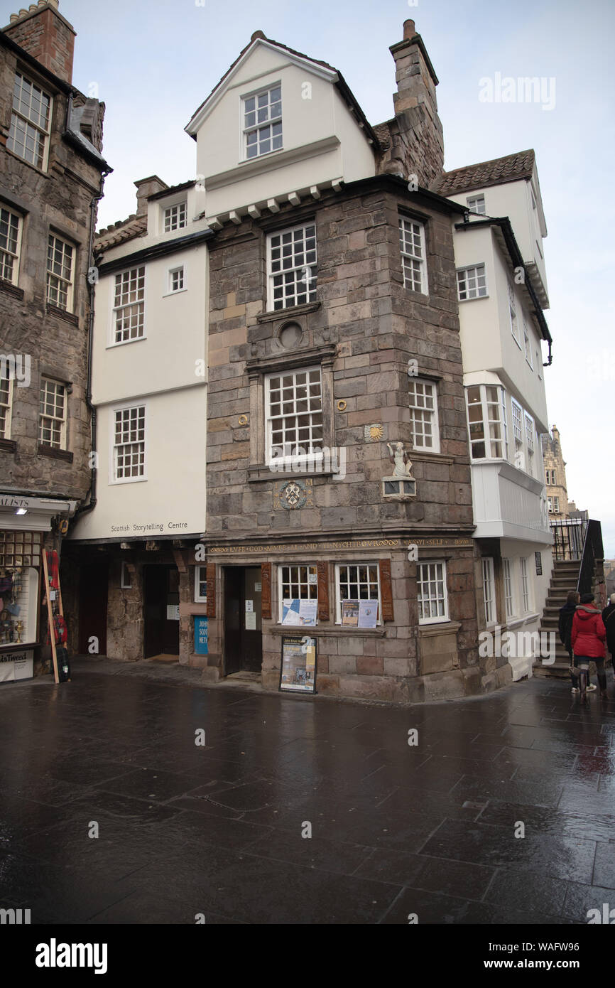 John Knox House the Scottish Storytelling Centre, High Street on the Royal Mile in Edinburgh Scotland Stock Photo