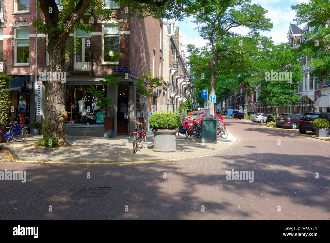 Cornelis Schuytstraat, Oud Zuid, Amsterdam, The Netherlands - home to a wide variety of cafés and restaurants, high-end boutiques and beauty stores. Stock Photo
