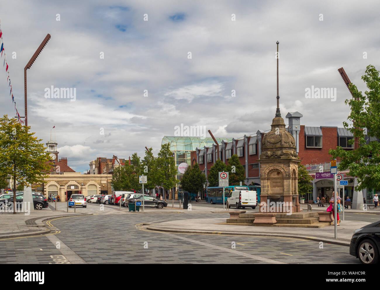 Dodshon's Fountain and Shambles Market Hall, High Street, Stockton-on-Tees, County Durham, UK. Stock Photo