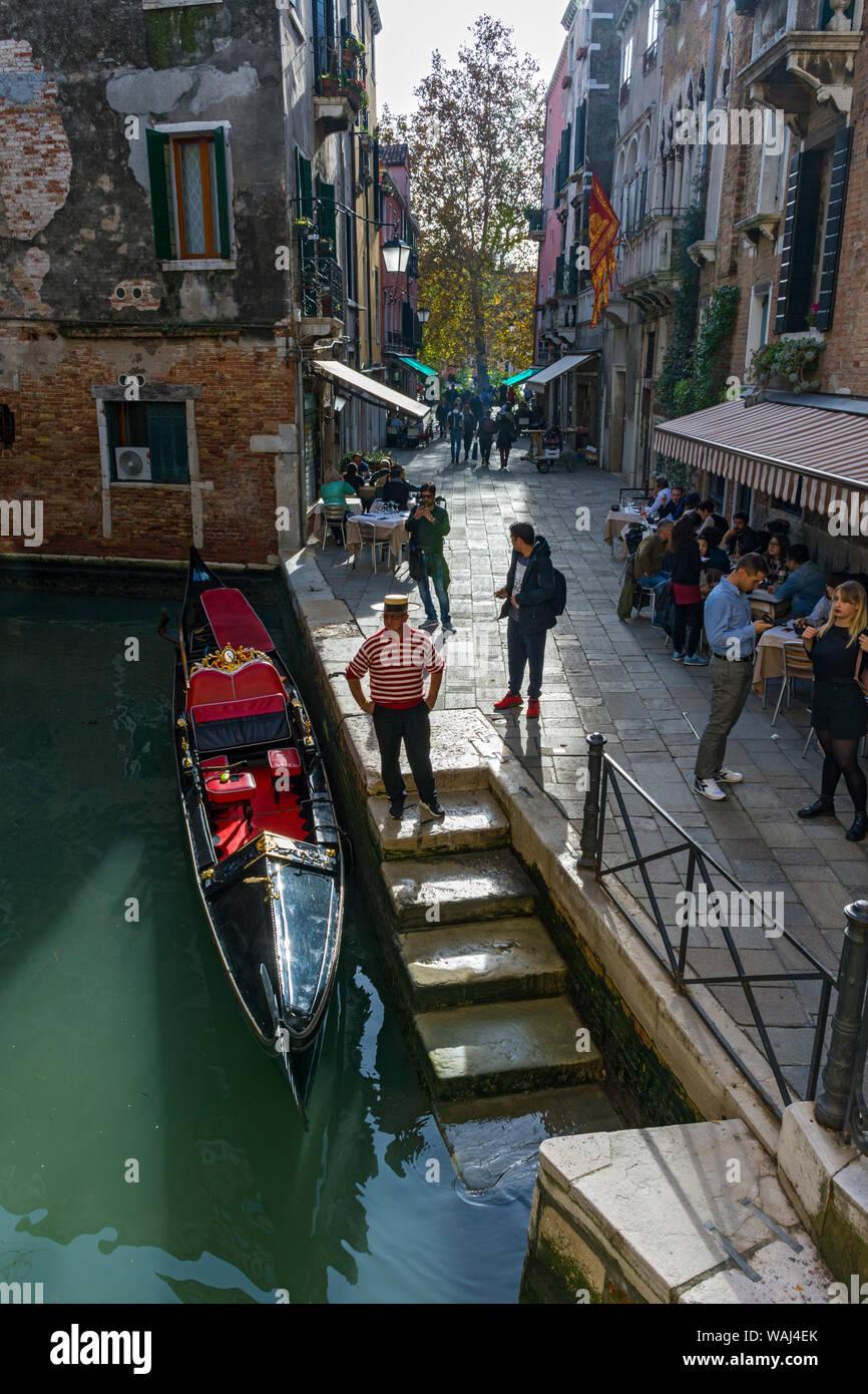 A gondola on the Rio del Megio canal at the Calle Largo Rosa, from the Ponte del Megio bridge, Venice, Italy Stock Photo
