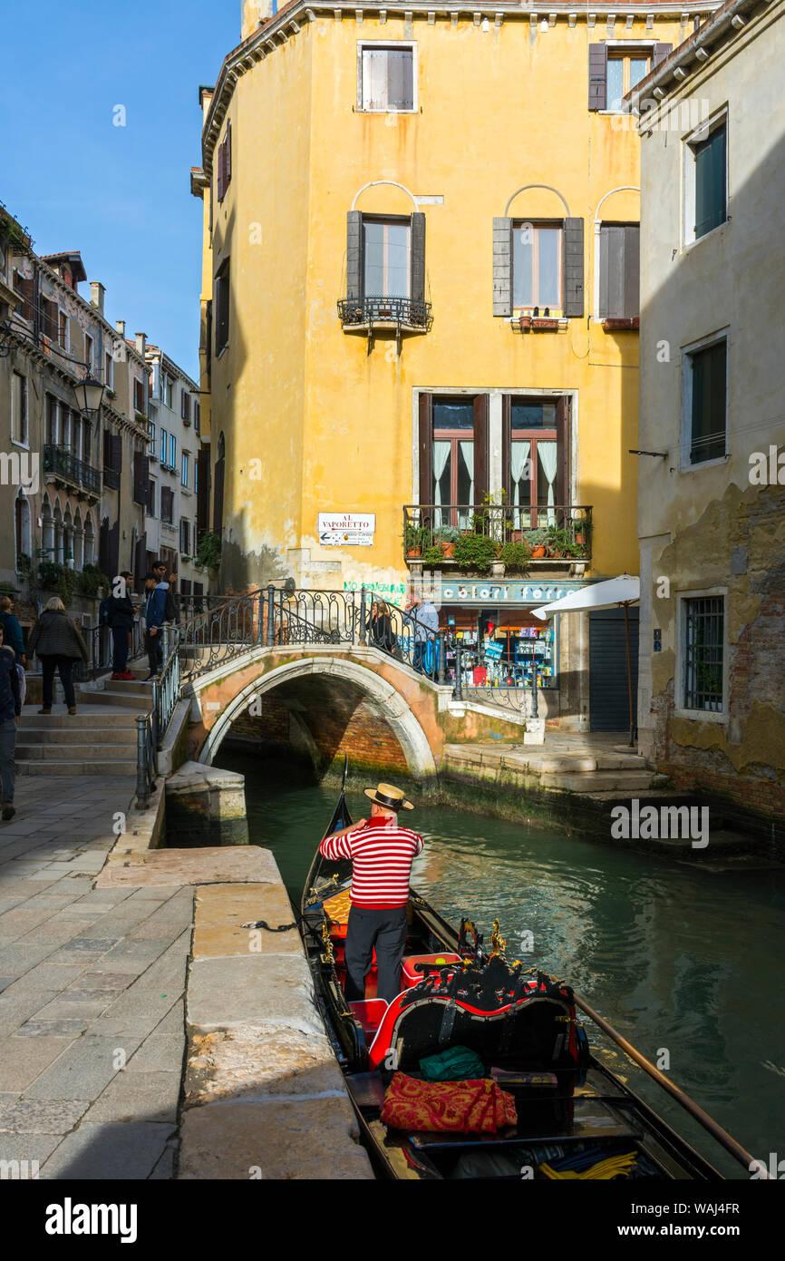 A gondola on the Rio del Megio canal at the Ponte del Megio bridge, from Calle Largo Rosa, Venice, Italy Stock Photo