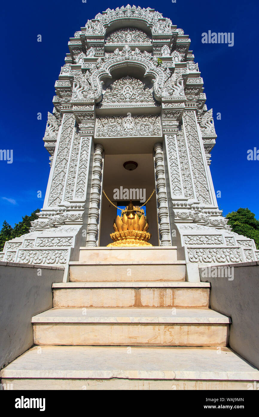 Phnom Penh, Cambodia. Stupa at Silver Pagoda, housing ashes of King Sihanouk, who died in 2012 and his favorite daughter, Kantha Bopha. Stock Photo