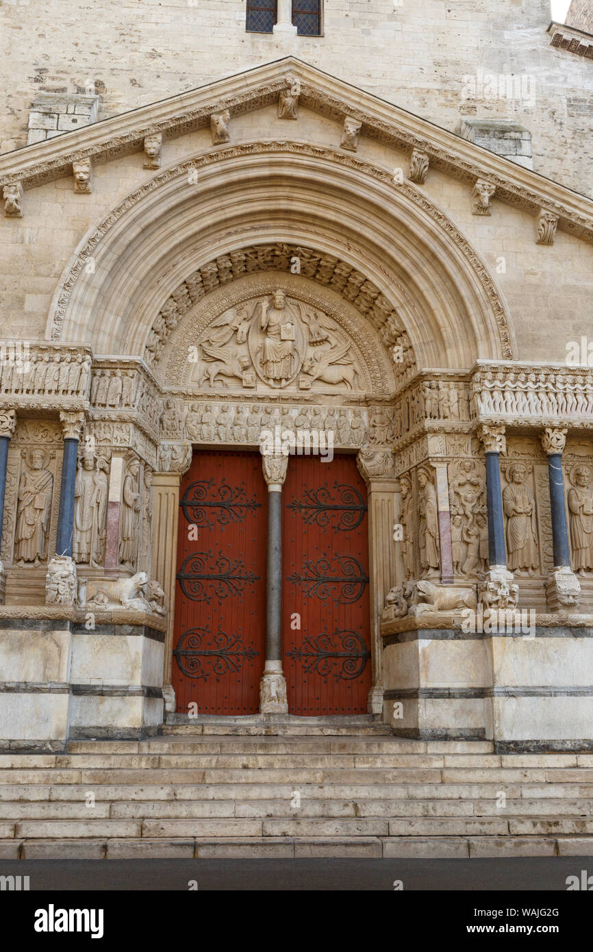 Church Of St Trophime Romanesque Architecture From The