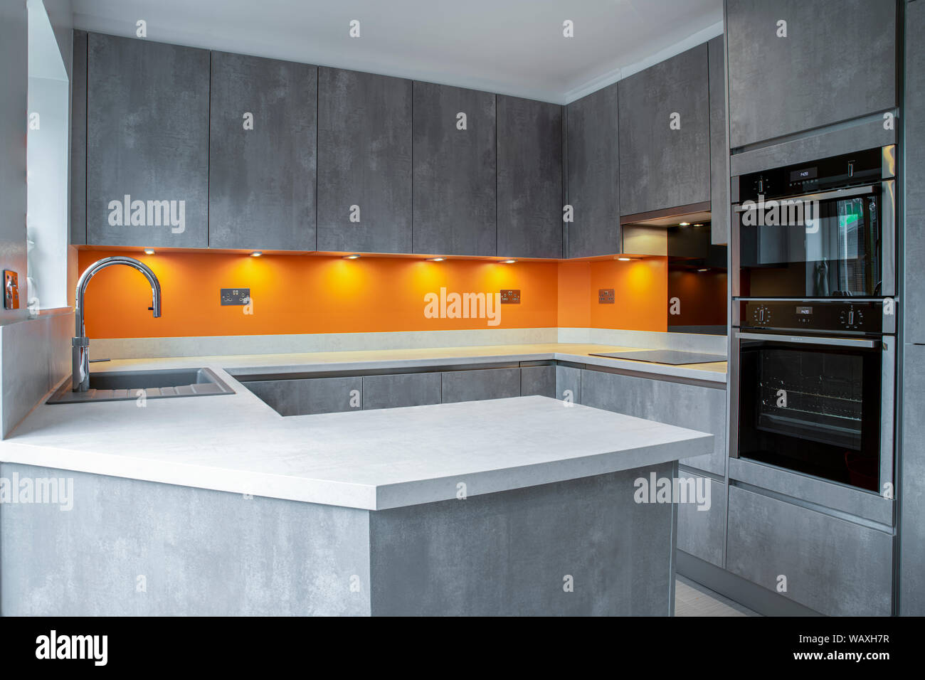 Black Tulip Dining Table, Grey Kitchen Cabinets High Resolution Stock Photography And Images Alamy