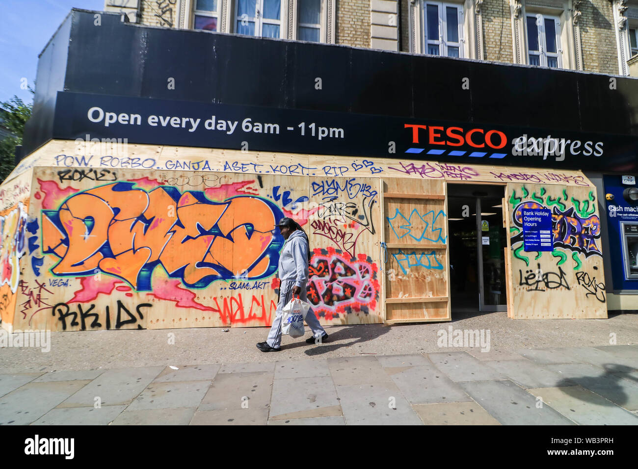 Notting Hill London Uk 24th August 2019 A Tesco Express Local