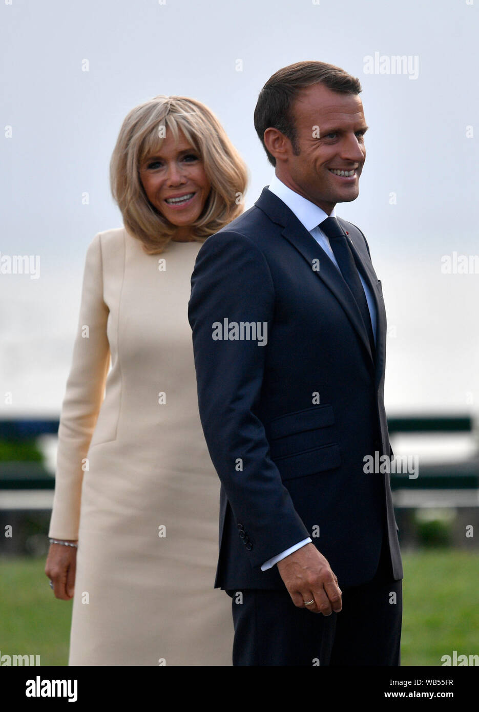 French President Emmanuel Macron And His Wife Brigitte Trogneux At The Official Welcome During The G7 Summit In Biarritz France Stock Photo Alamy