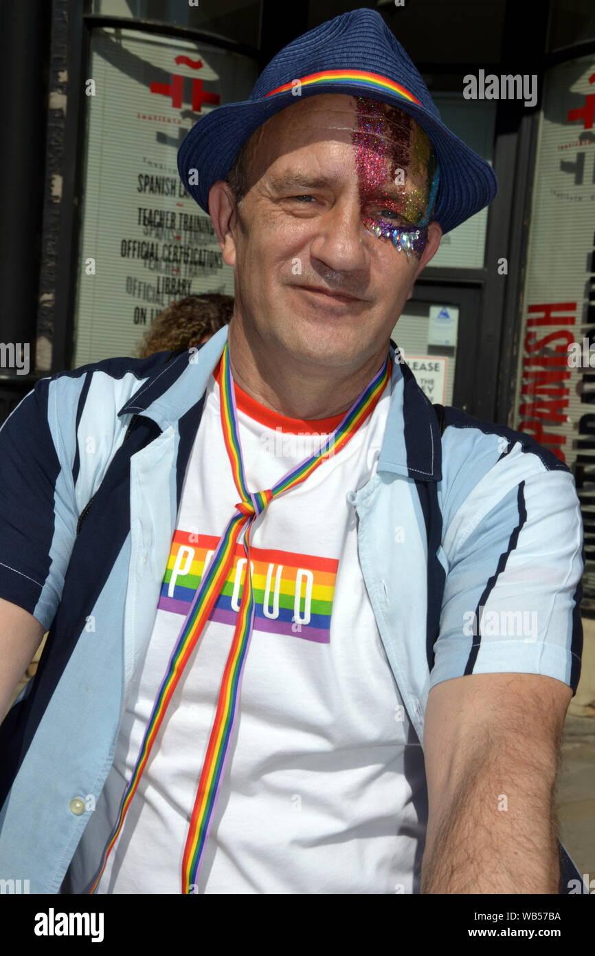 homo dating Manchester UK ang dating alpabetong Filipino