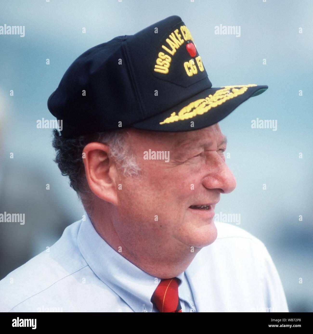 Edward Koch at commissioning of USS Lake Champlain (CG-57) cropped. Stock Photo