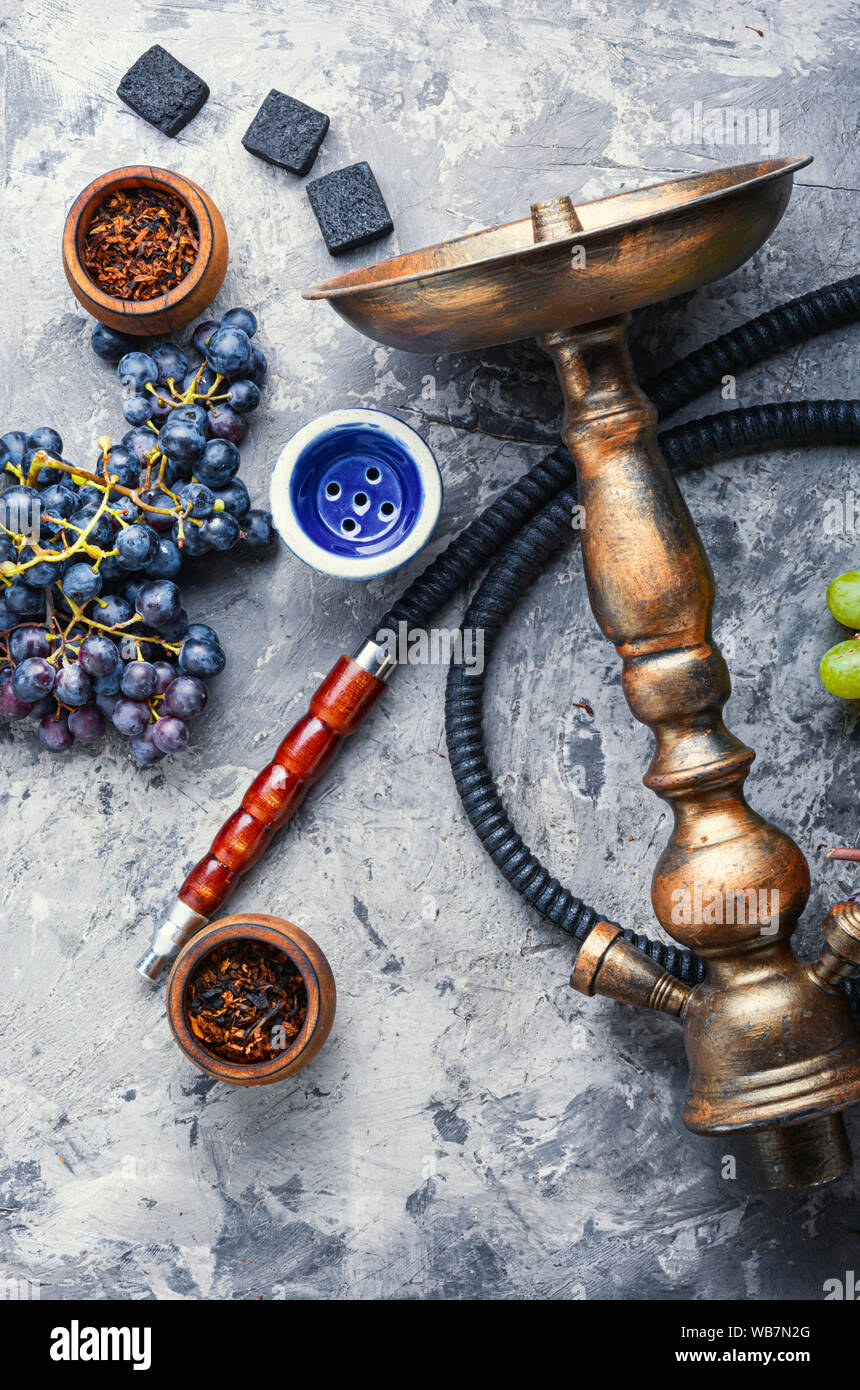 Nicotine Stock Photos & Nicotine Stock Images - Page 8 - Alamy