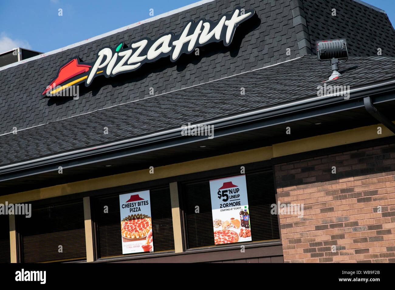 Pizza Hut Stock Photos Pizza Hut Stock Images Page 2 Alamy