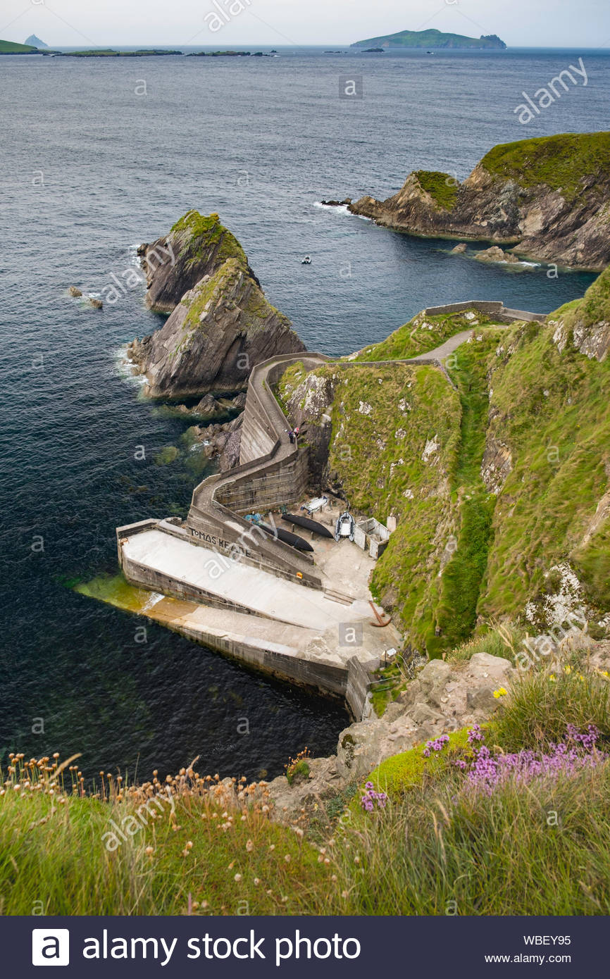 Dunquin Harbour, Ballyickeen Commons, County Kerry, Munster, Ireland Stock Photo