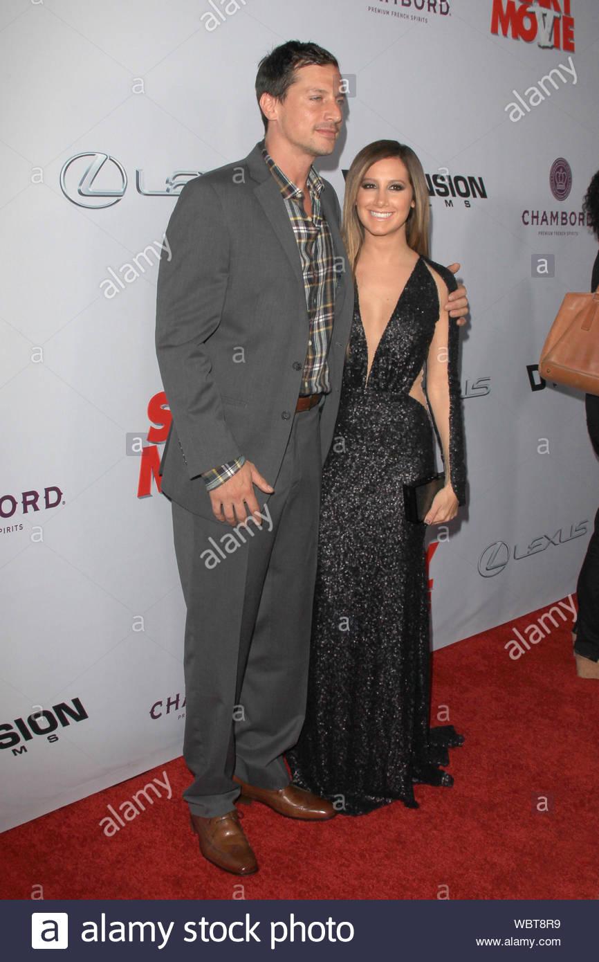 Simon Rex dating Ashley Tisdale jongere vrouw dating oudere man