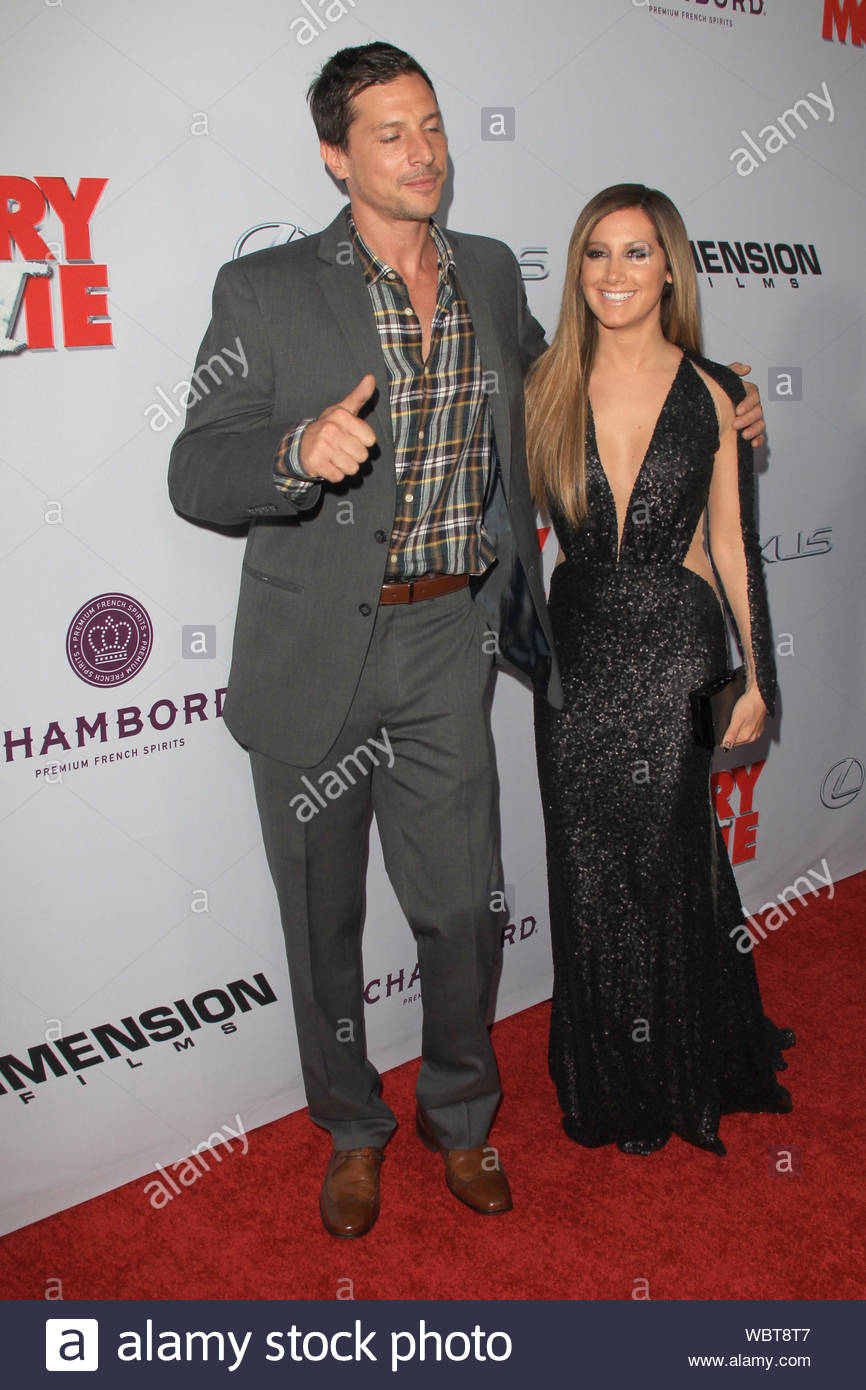 Hollywood Ca Simon Rex And Ashley Tisdale Attend The Premiere Of Scary Movie 5 Held At Arclight Cinemas Cinerama Dome In Hollywood Akm Gsi April 11 2013 Stock Photo Alamy