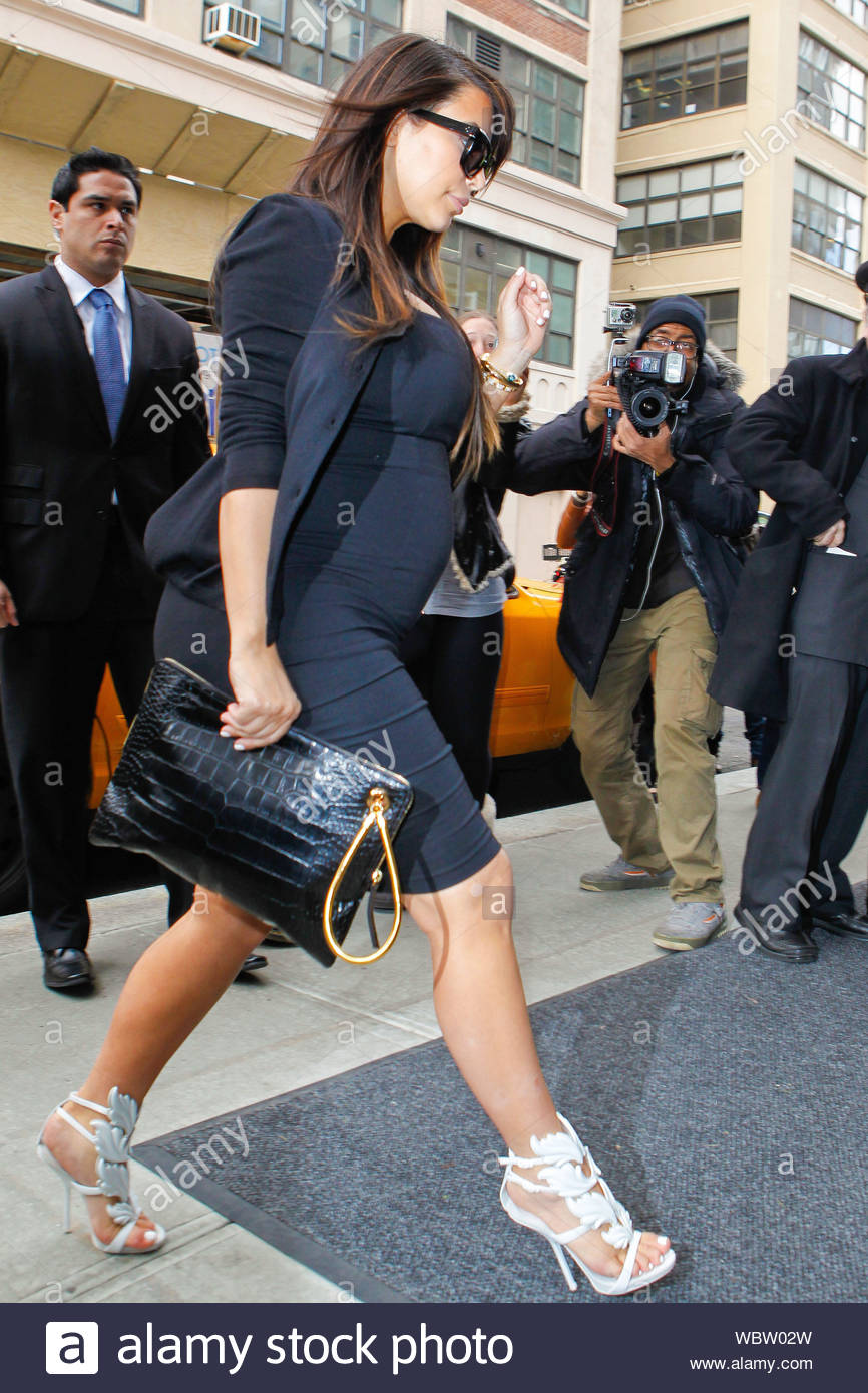New York Ny Kim Kardashian Steps Out In New York With Her Baby Bump And Her