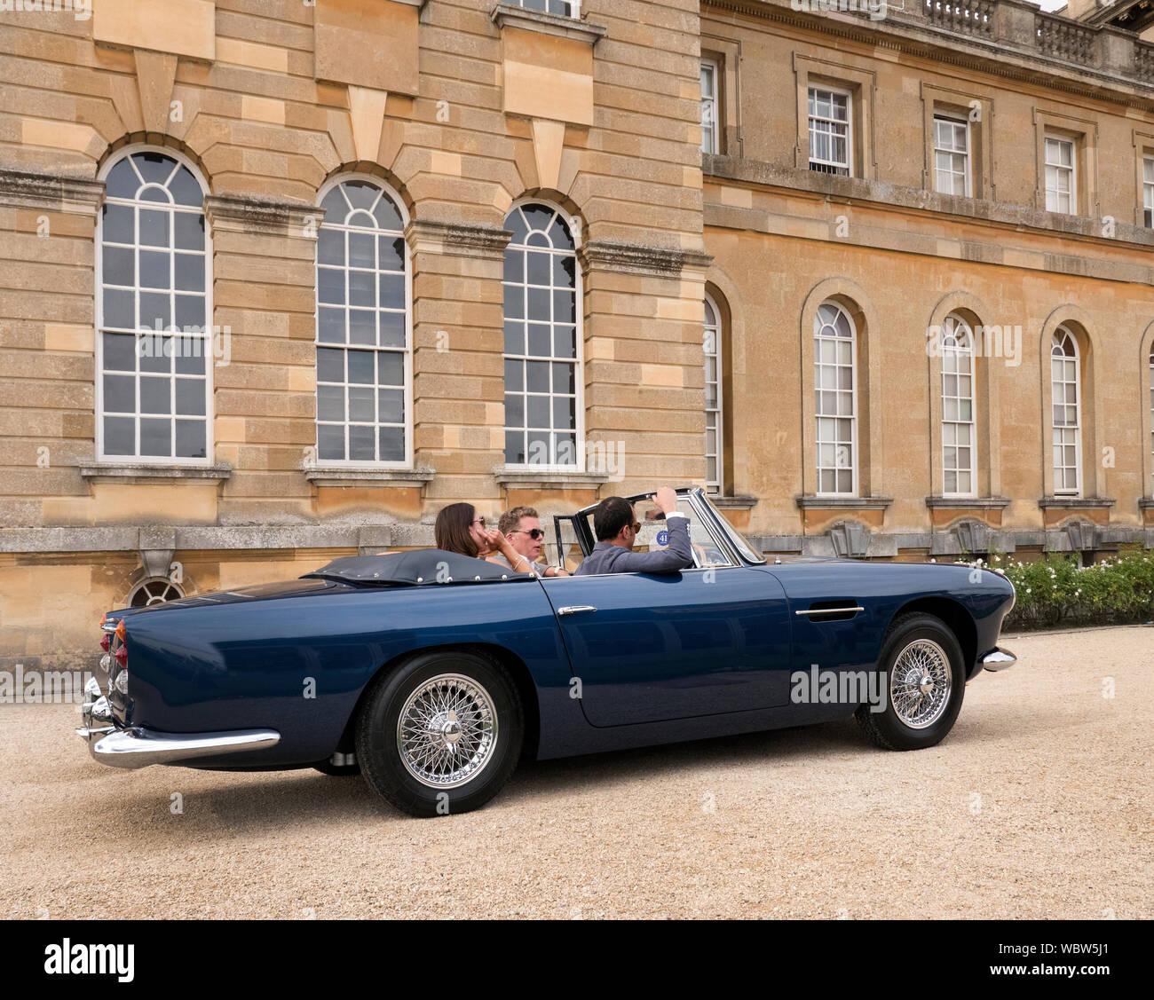 Aston Martin Db5 Volante Stock Photo Alamy