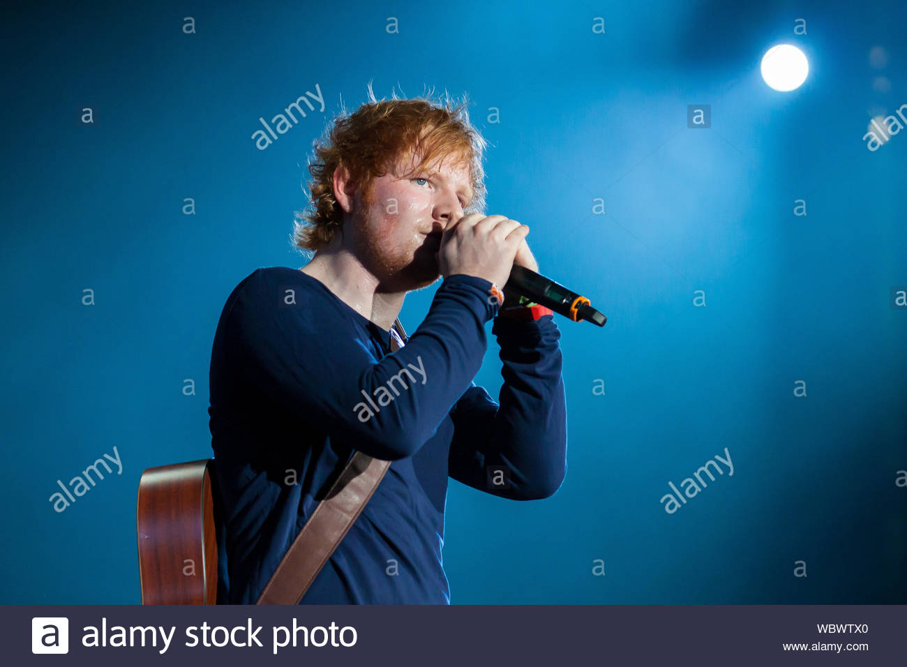 Detroit Mi English Singer Songwriter Ed Sheeran Joins Pop Country Star Taylor Swift On Her Red Tour Akm Gsi May 4 2013 Stock Photo Alamy