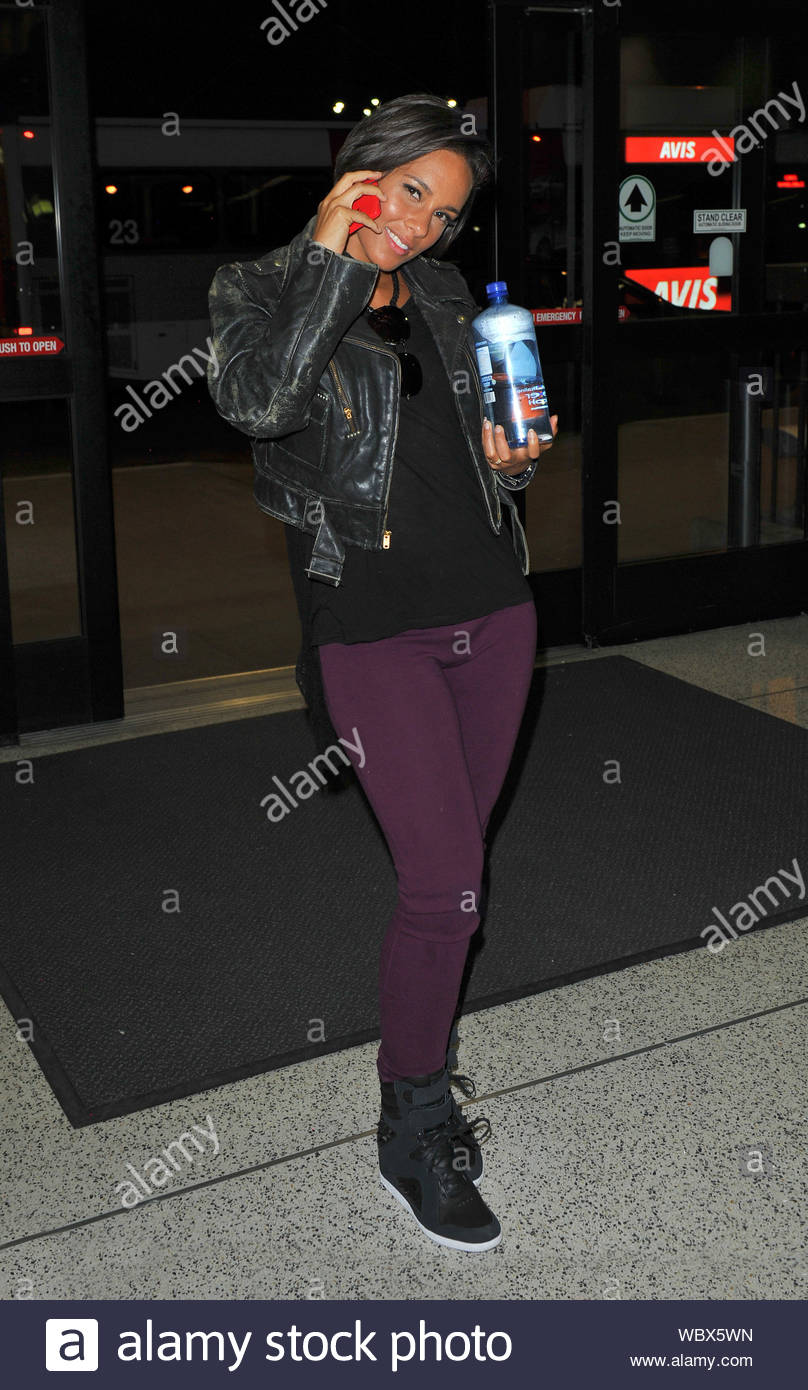 Alicia Smiles los angeles, ca - alicia keys smiles wide as she arrives at