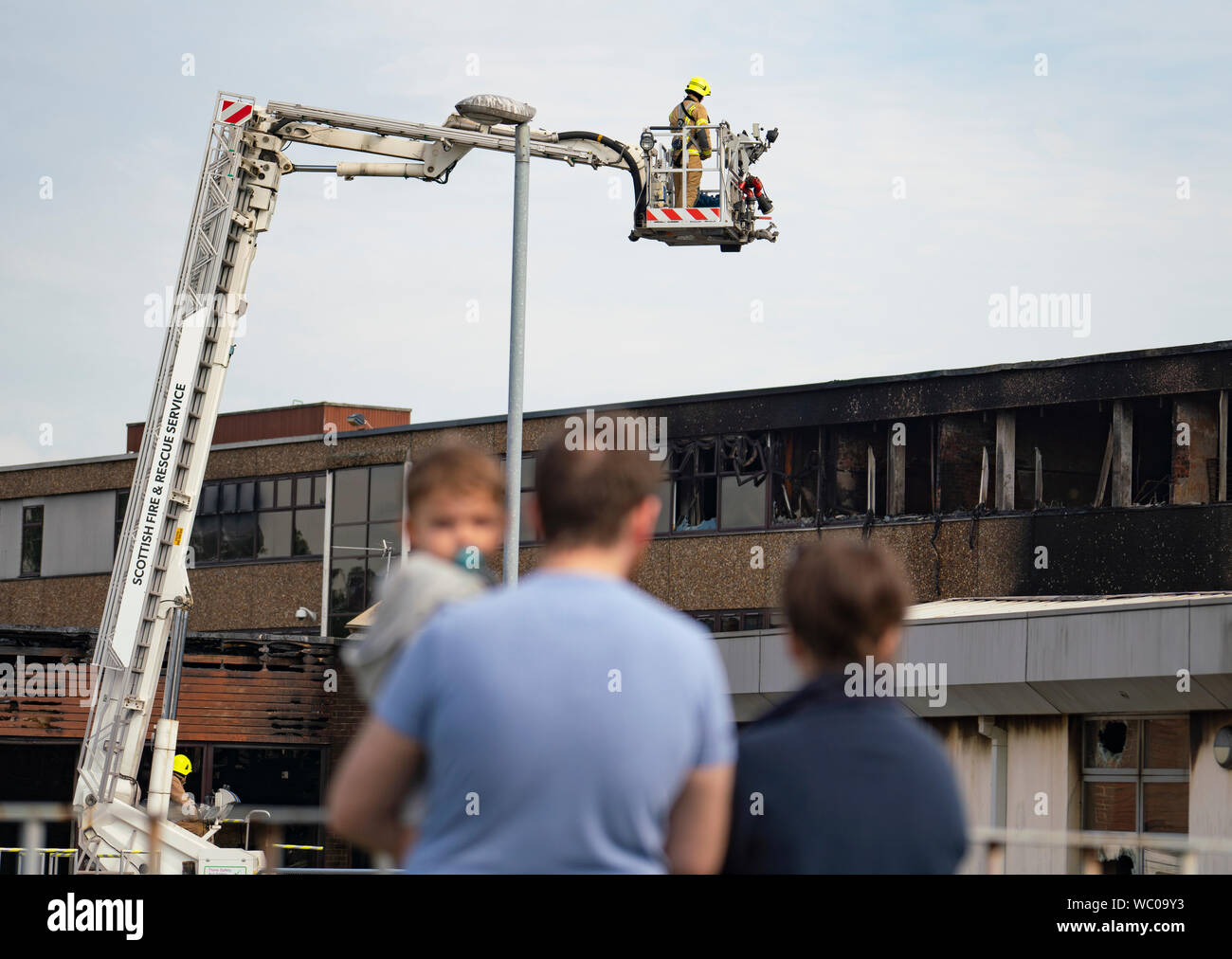 Dunfermline Fife Scotland Uk 27 August 2019 Scottish Fire Service Remain At Woodmill High School In Dunfermline Following A Large Fire At The School On Sunday Today It Was Announced That The