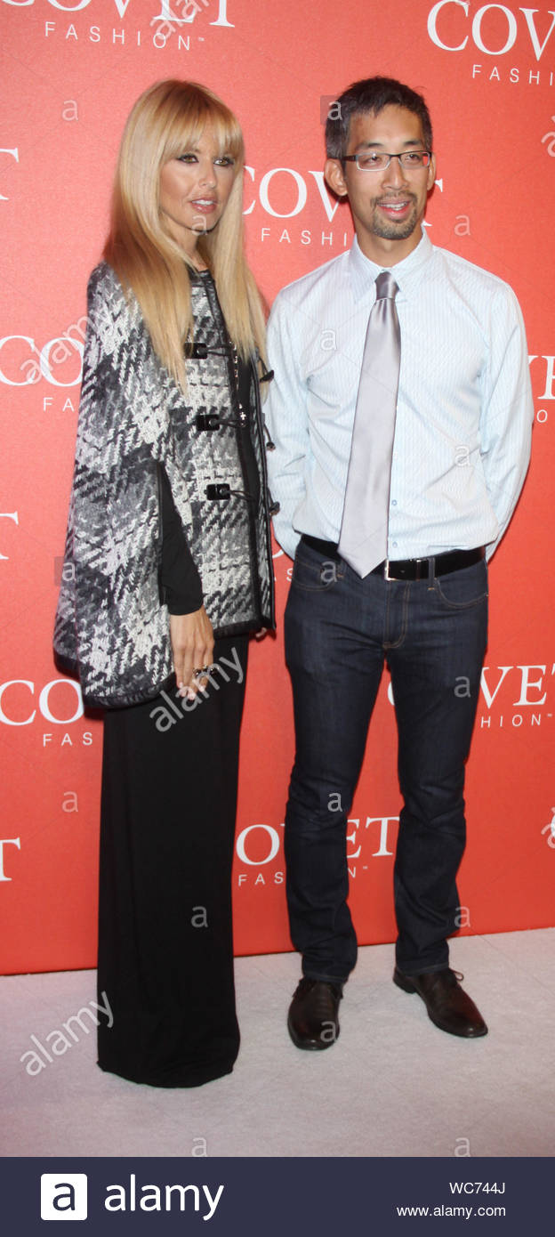 New York Ny Rachel Zoe And Jeffrey Tseng At The Launch Of Covet Fashion Held At 82 Mercer In New York Akm Gsi August 27 2013 Stock Photo Alamy