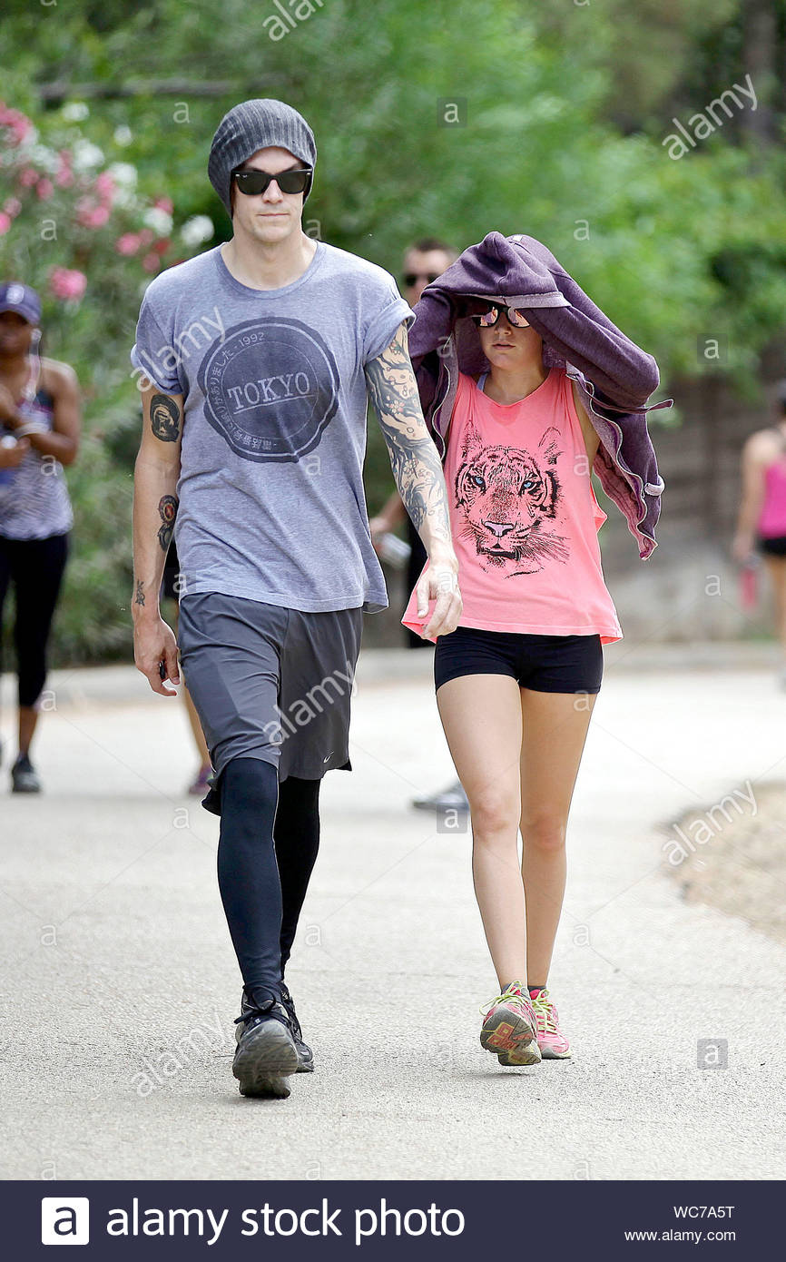 Hollywood Ca As Ashley Tisdale And Her Fiance Christopher French Start Planning Their Wedding The Couple Also Make Sure To Keep Up With Their Fitness With A Hike This Afternoon Ashley