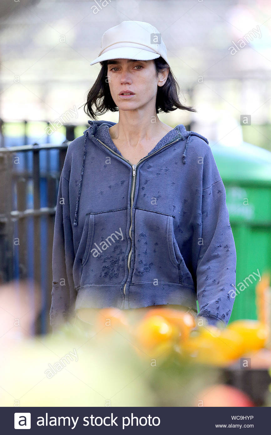 New York Ny Jennifer Connelly Makes A Run For It On The Set Of Her Upcoming Movie Shelter Which Is Written And Directed By Her Husband Paul Bettany The Actress Plays