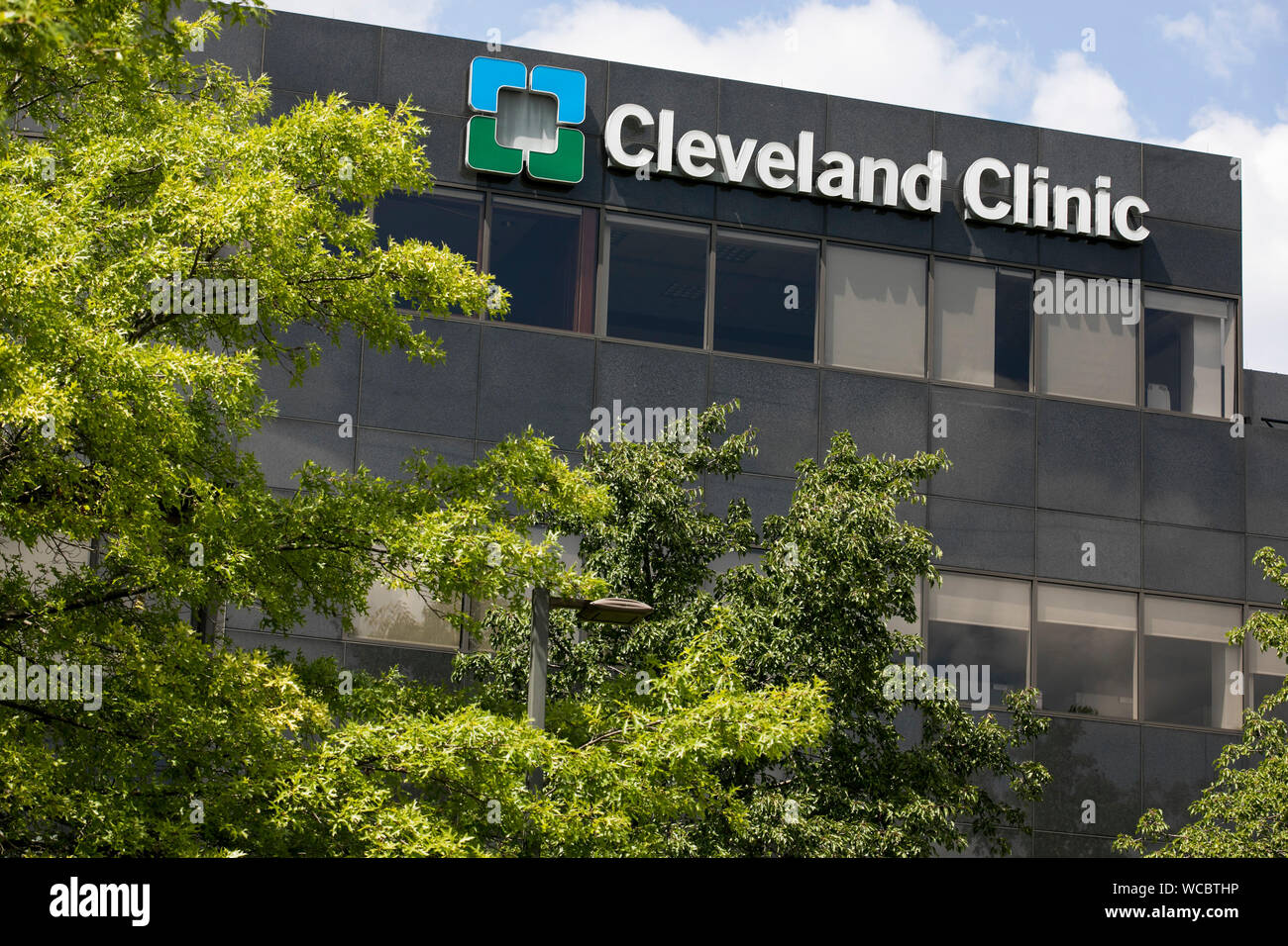 Cleveland Clinic Stock Photos & Cleveland Clinic Stock