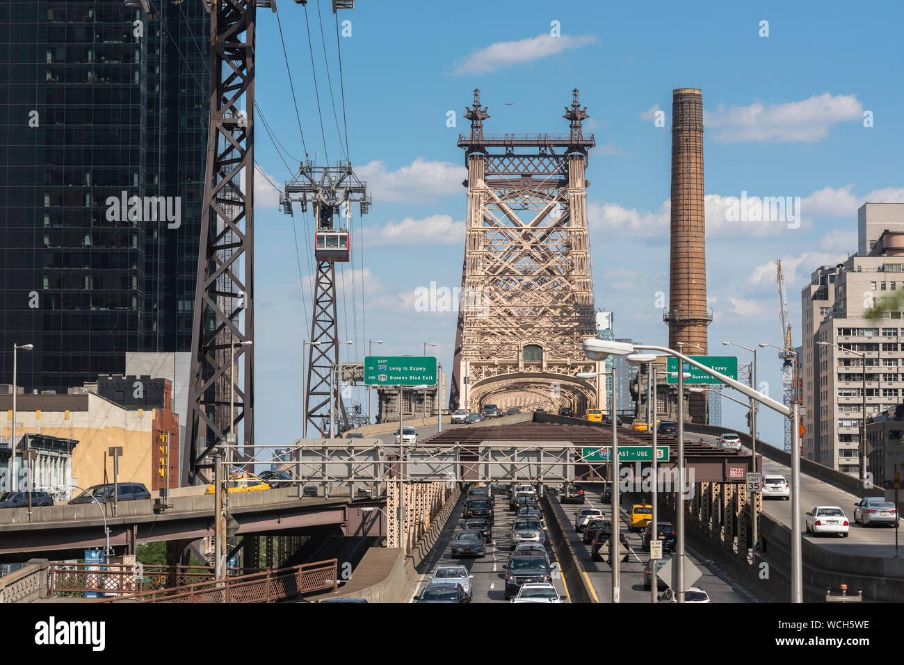 Queensboro Bridge, view in summer of traffic on the Manhattan side of the Ed Koch Queensboro Bridge, New York City, USA Stock Photo