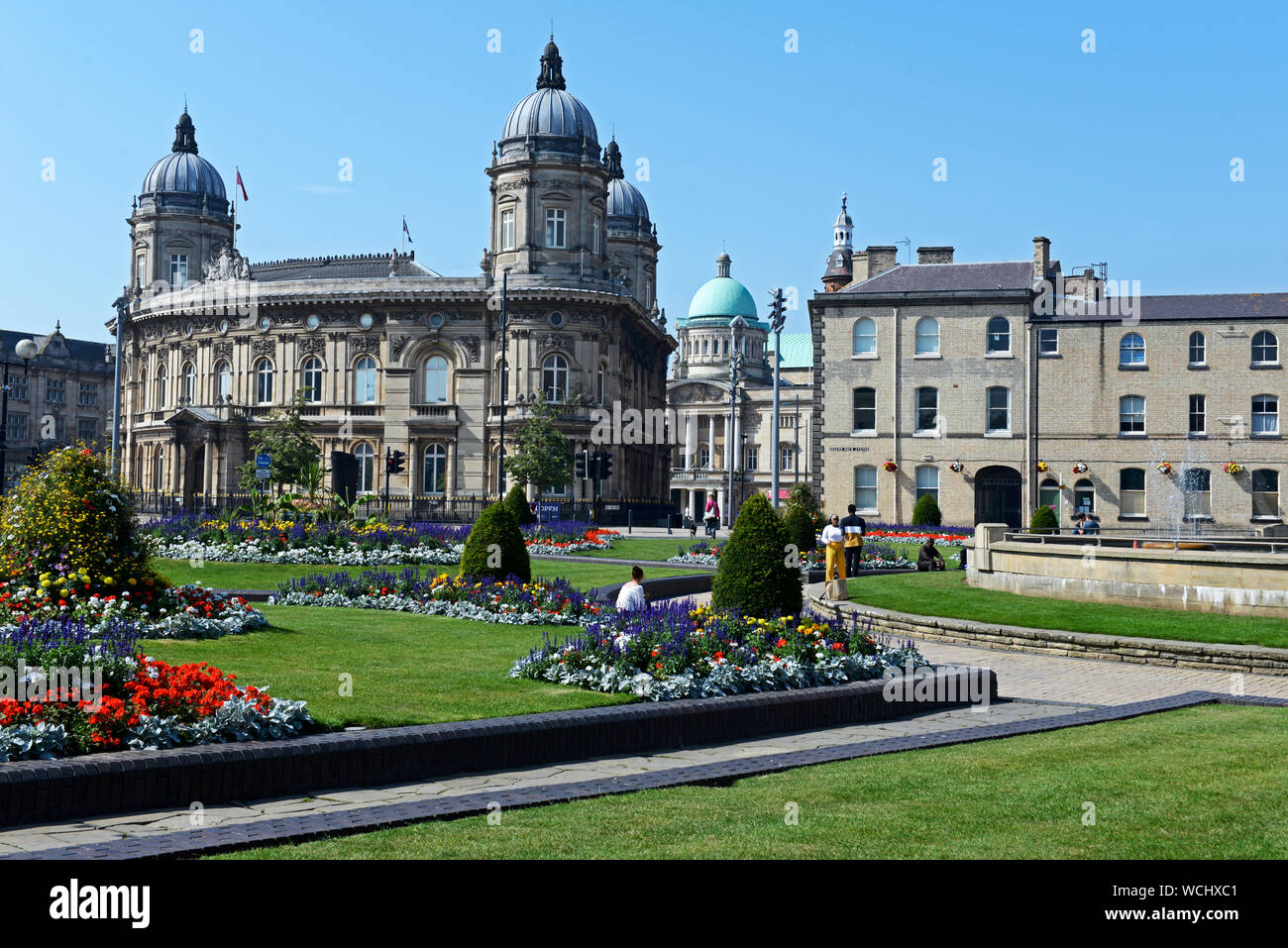Queen's Gardens, looking towards the Town Hall and Maritime MUseum, Hull, East Yorkshire, England UK Stock Photo