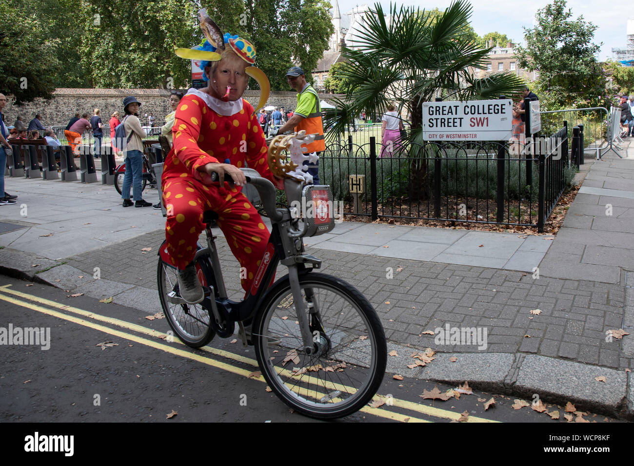 Clown Cycle Stock Photos & Clown Cycle Stock Images - Alamy
