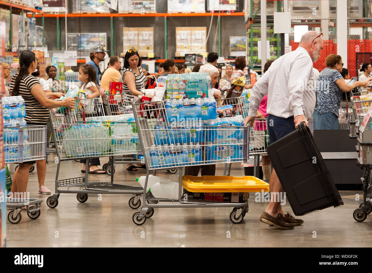 August 29, 2019, Fort Lauderdale, Florida, U.S: Residents of Florida stock up with groceries and water in preperation for hurricane Dorian, in Fort Lauderdale, Fla. Florida Governor, Ron Desantis, declared a state of emergency for 26 counties in Florida, as Hurricane is forecast to hit Florida as a major category 3 hurricane (Credit Image: © Orit Ben-Ezzer/ZUMA Wire) Stock Photo