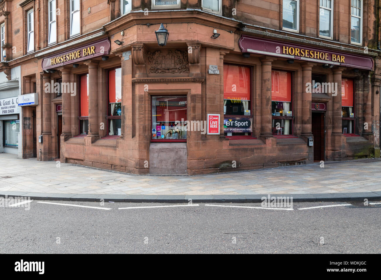 The Horseshoe Bar on Muir Street in Motherwell, North Lanarkshire, Scotland Stock Photo