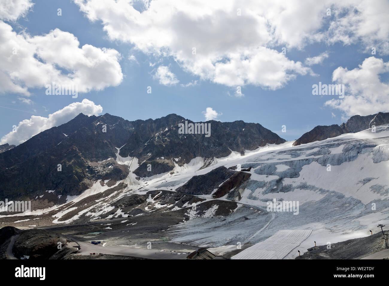 The Rettenbach glacier in Sölden, Ötztal, Tyrol, Austria in July Stock Photo
