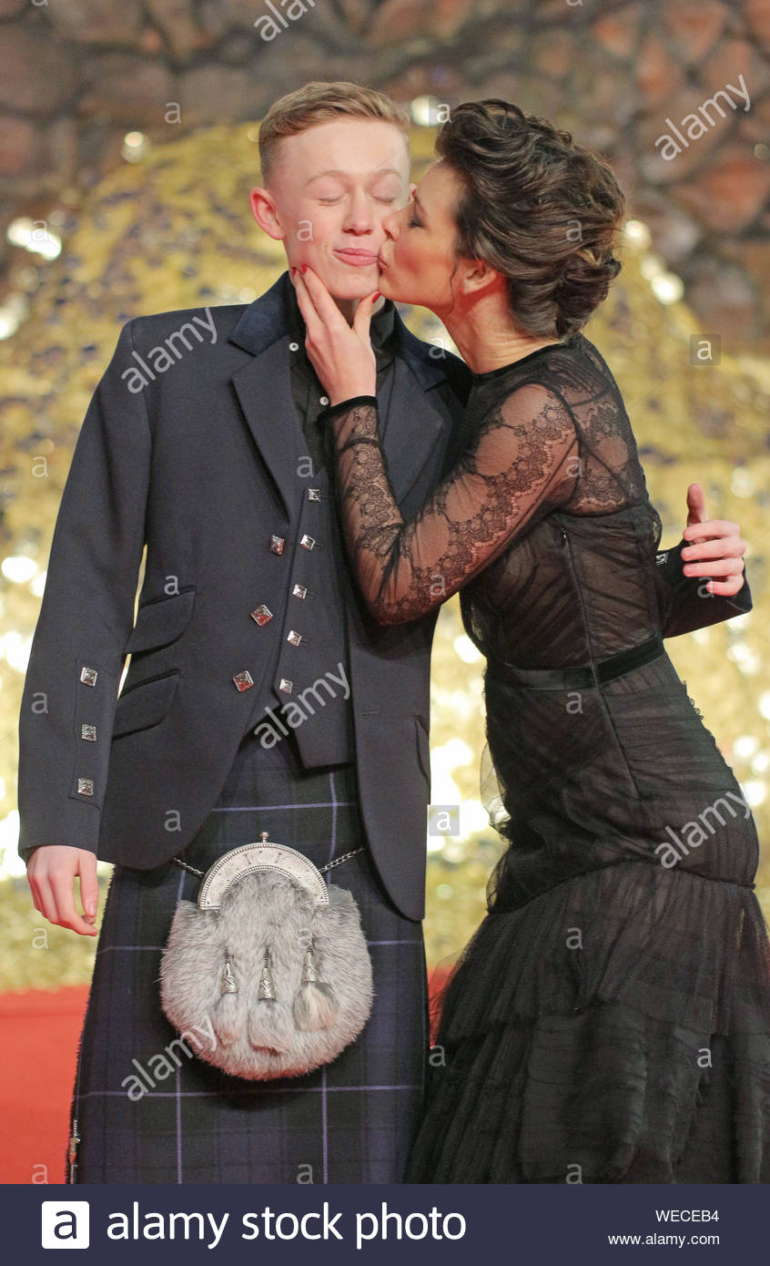 Evangeline Lilly dating 2013