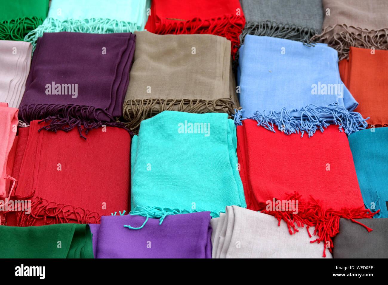 Silk Scarves Istanbul Stock Photos & Silk Scarves Istanbul