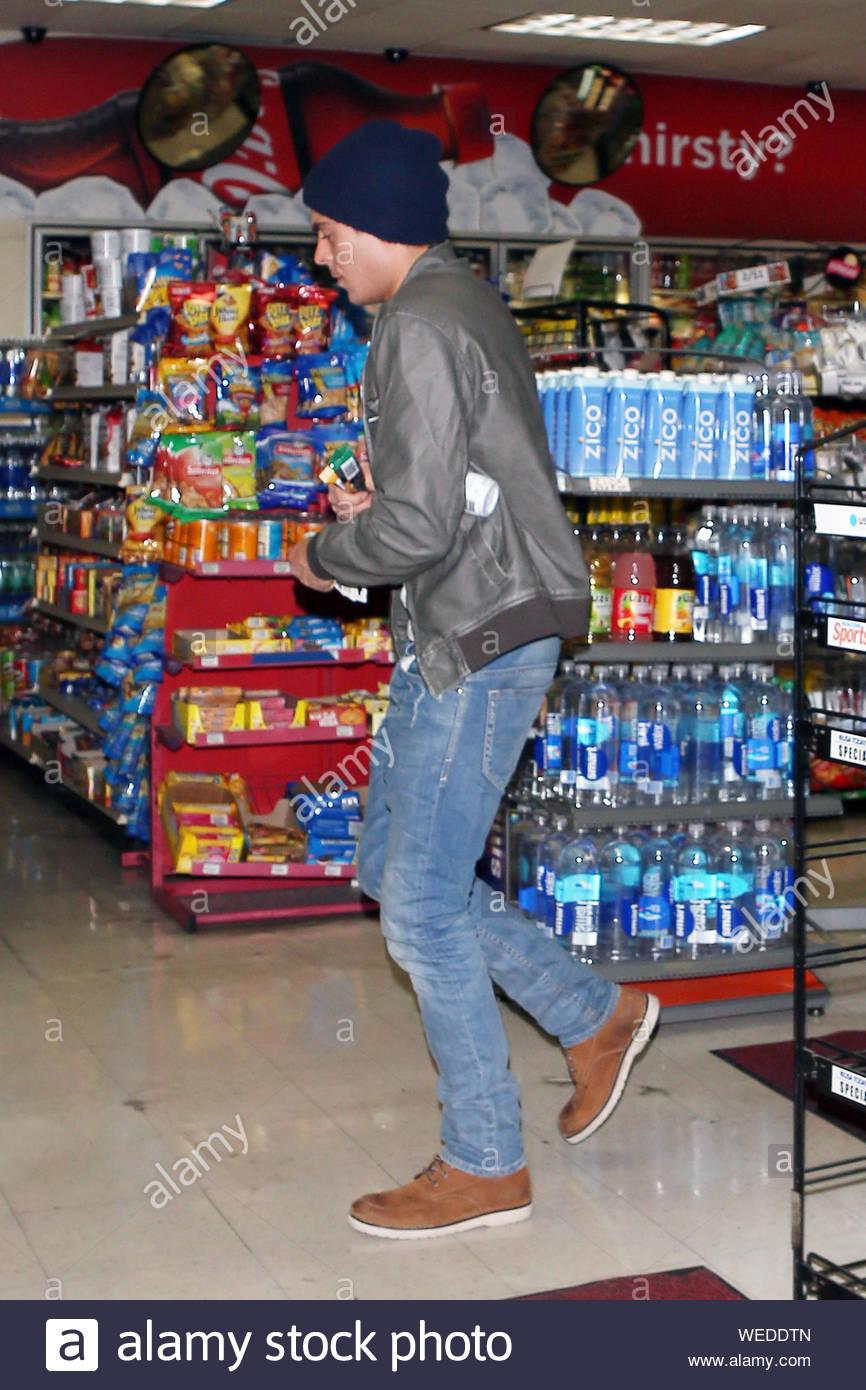 Convenient Gas Station Stock Photos & Convenient Gas Station