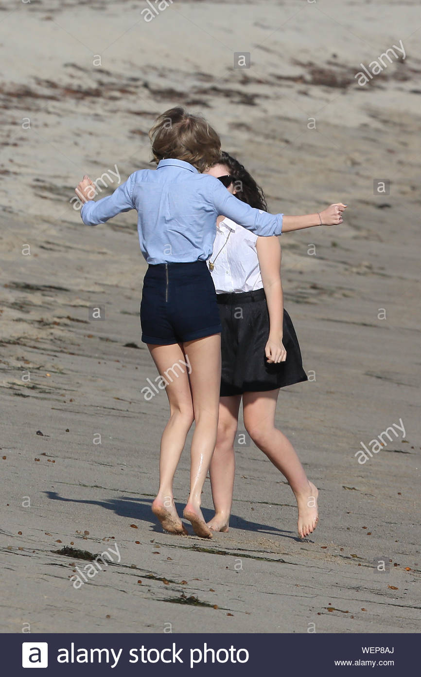 Malibu Ca Taylor Swift And New Zealand Sensation Singer Lorde Spent Their Saturday At The Beach In Malibu Together The Duo Enjoyed Their Close Friendship Dancing And Walking Bare Feet Along