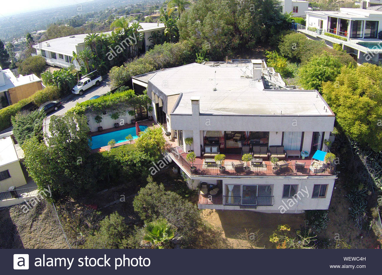 Hollywood Hills Ca Aerial Views Of The Hollywood Hills House Of Robin Thicke And Paula Patton